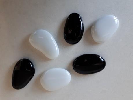 6 מגנטים שחור לבן גדולים מאבן זכוכית מבריקה למקרר וללוח מתכת