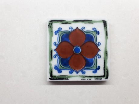 תחתית מקרמיקה לכוסות שתייה דגם פרח אדום סגנון וינטג'
