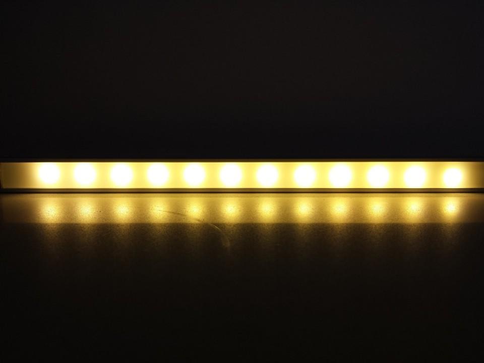 תאורת לד בפרופיל אלומיניום אפשרות הפעלה עם שנאי או סוללה
